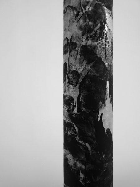 Sans titre, 2012 / Etais galvanisées et peinture noire / Dimensions variables