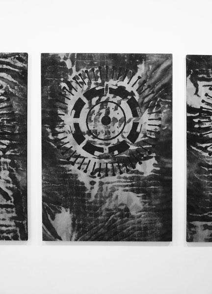 Bad ritual, 2016 / Vin et peinture sur toile, 162 x 114 cm chaque