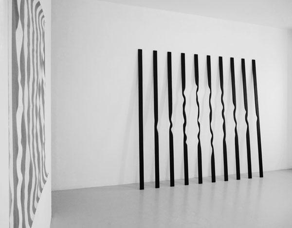 Sans titre (Verticales), 2012 / Bois, peinture acrylique et cirage