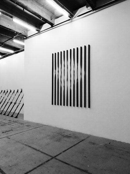 Sans titre (Verticales), 2012 / Bois, encre et cirage / 240 x 189 x 4,4 cm / Collection Frac Bretagne
