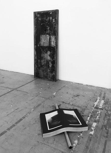 La Part Maudite (Richard Kern), 2012 / Affiches noir et blanc, acier