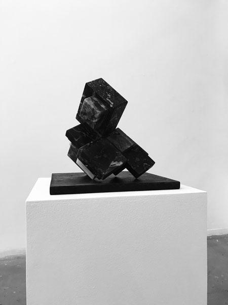 Choses tues, 2014-2019 / Bronze et marbres récupérés / Dimensions variables