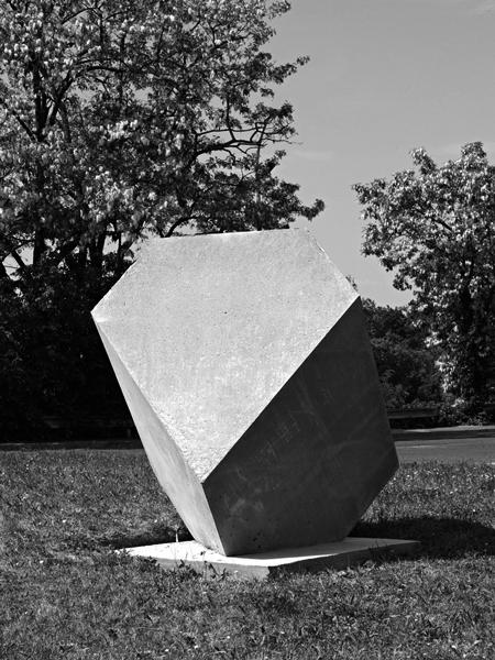 Melencolia, 2011 / Béton armé, 120 x 120 x 120 cm