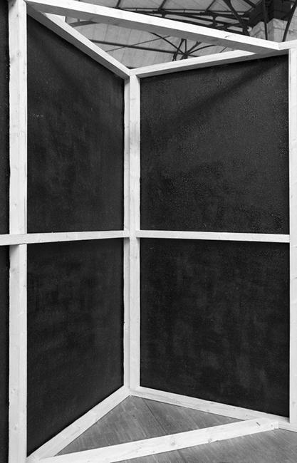 Oil on canvas, 2013 / Huile de vidange sur toiles, châssis en bois / Dimensions variables