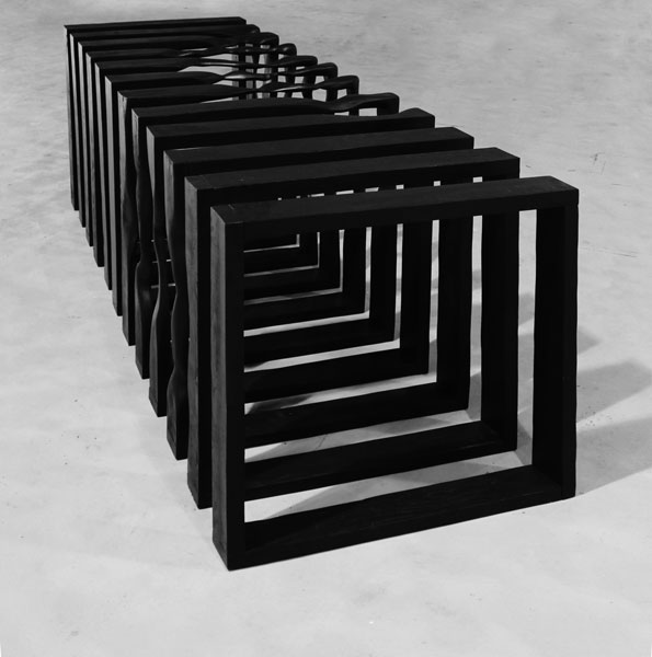 Sans titre, 2011 / Bois et peinture acrylique / Dimensions variables